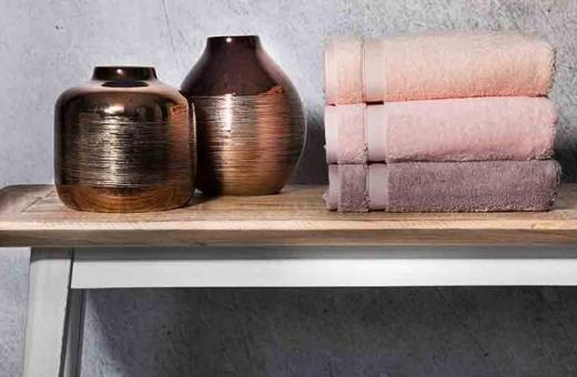 Стилна баня с нова серия луксозни хавлиени кърпи Vossen Scala 600 грама
