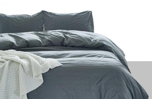 Нови предложения еднолицеви спални комплекти в класически цветове