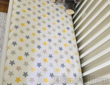"""Долен чаршаф с ластик за бебешко креватче 100% памук """"Шарени звездички"""""""
