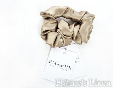 """Ластик за коса 100% естествена коприна стил Scrunchie """"Sand"""" стандартен размер EM&EVE"""